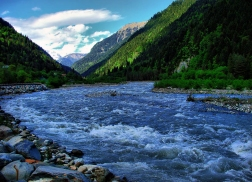 Rioni_river_-_Georgia_(Europe)