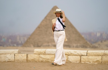 Mandatory Credit: Photo by Carolyn Kaster/AP/REX/Shutterstock (9916225n) First lady Melania Trump visits the historical site of the Giza Pyramids in Giza, near Cairo, Egypt. . First lady Melania Trump is visiting Africa on her first big solo international trip Melania Trump Africa, Giza, Egypt - 06 Oct 2018